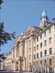 Le_palais_de_justice_de_Littenstrasse_(Berlin)_(6303550695)